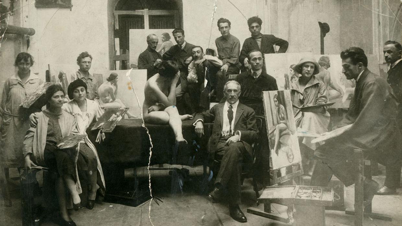 Мастерская Тбилисской государственной академии художеств. 1922. Фото из архива Академии. Источник: Wikipedia