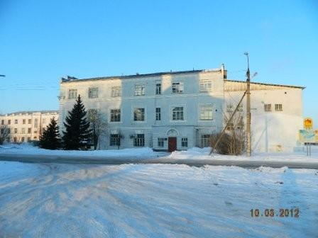 Здание ТЭС сохранилось. Теперь там поликлиника.