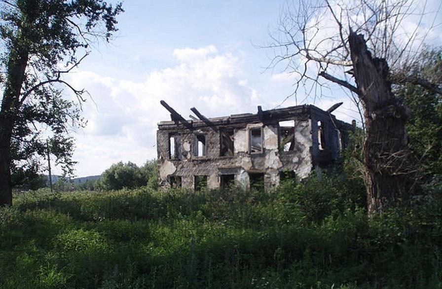 Бывшее служебное здание Кленовского детского дома. Снимок 2009 года.