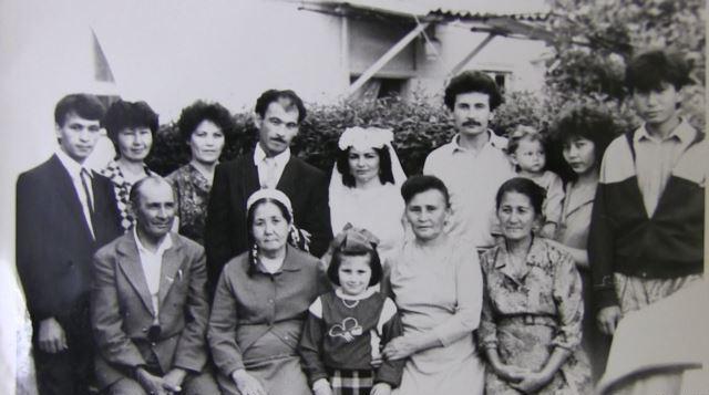 Несибе Бурсеитова на свадьбе сына
