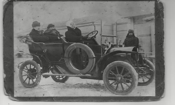 Ф.С. Рубцов в своём автомобиле