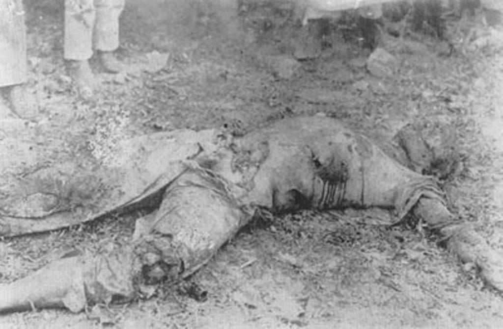 У жертвы перед смертью были перебиты ноги.