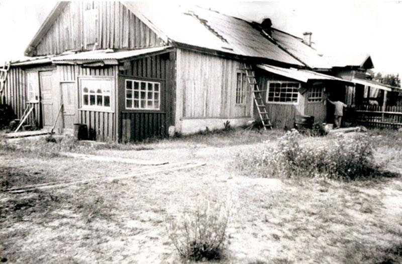 Бараки для заключенных Локчимлага. Фото 1989 г.