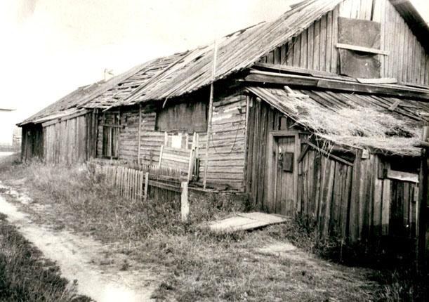 Памятный знак на месте захоронения одного из лагерных участков Локчимского ИТЛ